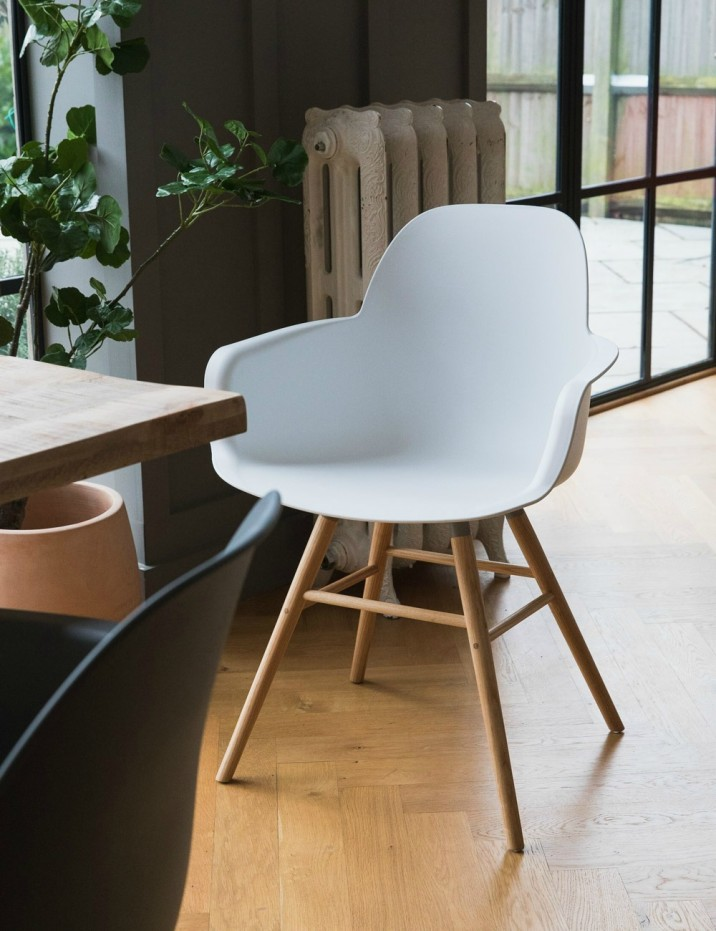 Kuip Dining Chair with Arms - White