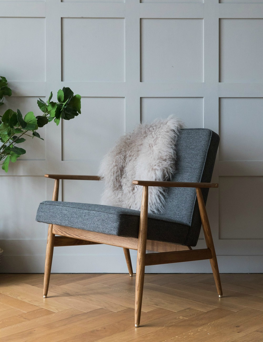 H. Lis Fox Easy Chair Wool - four colours available 5
