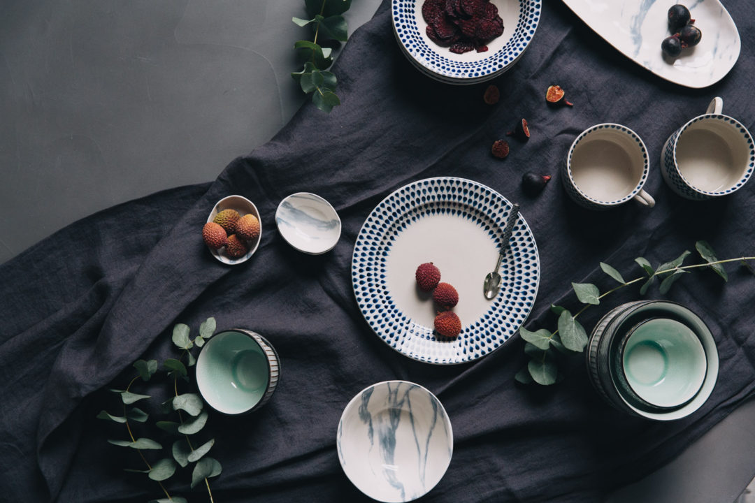 015b2bc3e513a How to Style a Beautiful Dinner Table - Rose And Grey