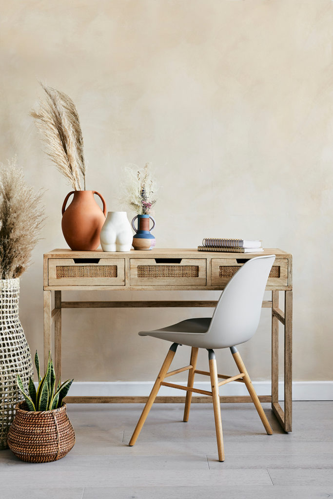 How to Style Dried Grasses and Flowers in your Home